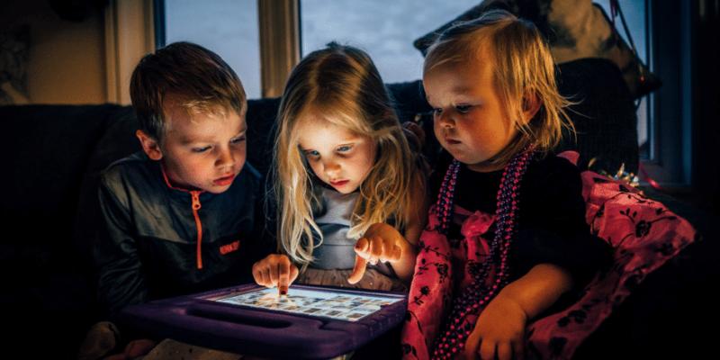 Kinderen educatief en verantwoord vermaken met een tablet