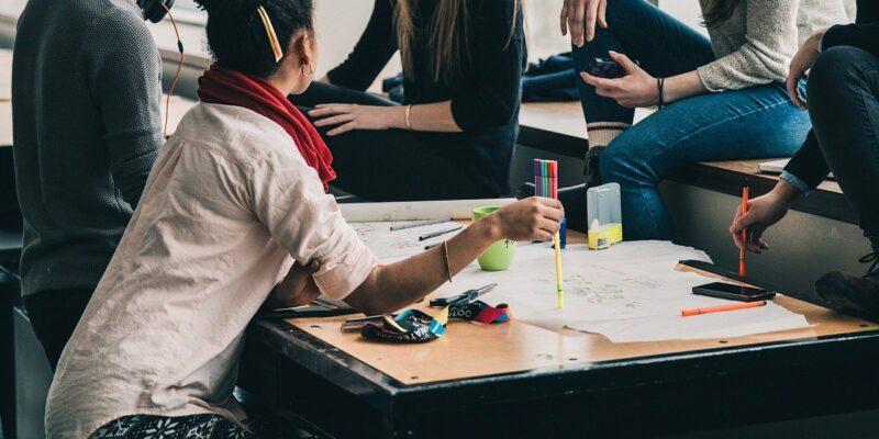 Heeft je kind moeite met zijn huiswerk Lees deze handige tips - Opeengrotepaddestoel.nl